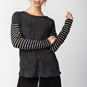 LONGSLEEVE FRENCH TERRY TOP WITH STRIPED MIRU SLEEVES